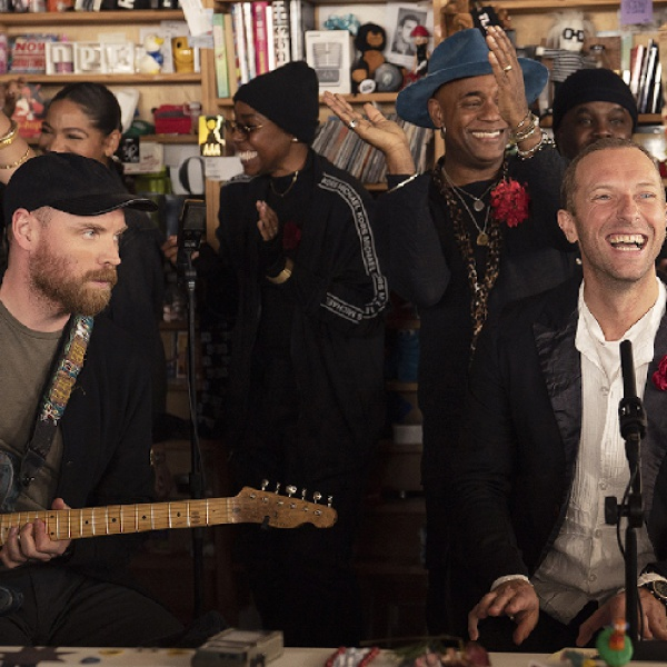 Coldplay, guarda lo speciale set live per NPR Tiny Desk Concert