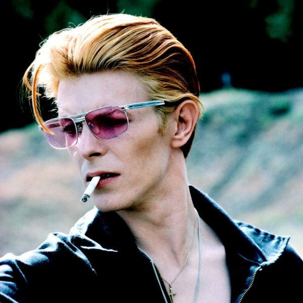 """David Bowie, """"The Man Who Fell To Earth"""" diventa una serie"""