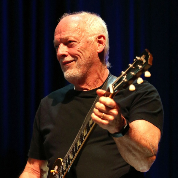 "David Gilmour, il nuovo singolo è ""Yes, I Have Ghosts"""