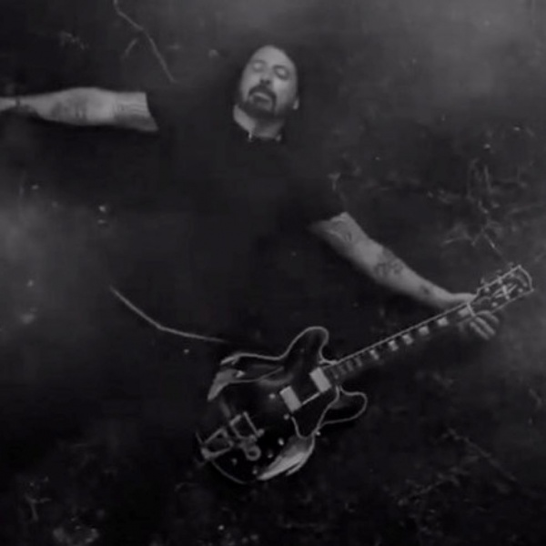 Foo Fighters, online il video di 'Shame Shame'