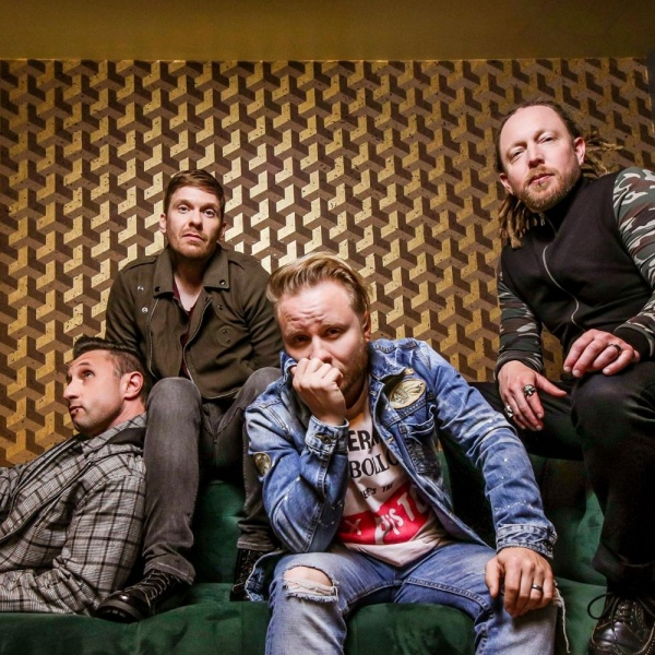 Shinedown, Brent Smith & Zach Meyers in solitaria
