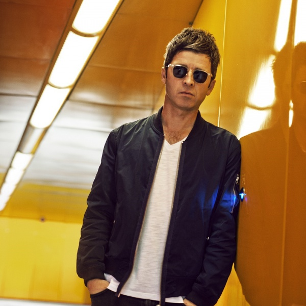 Noel Gallagher, ascolta 'Black Star Dancing'