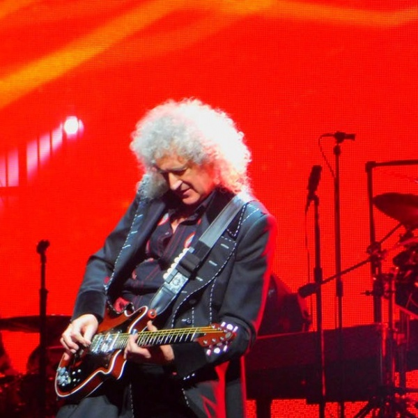 Queen, Brian May  ha avuto un infarto
