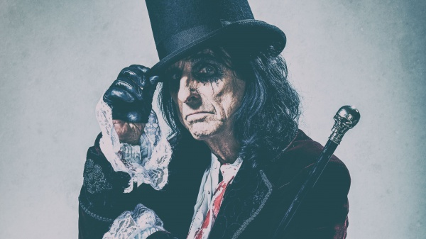 Alice Cooper wants you!