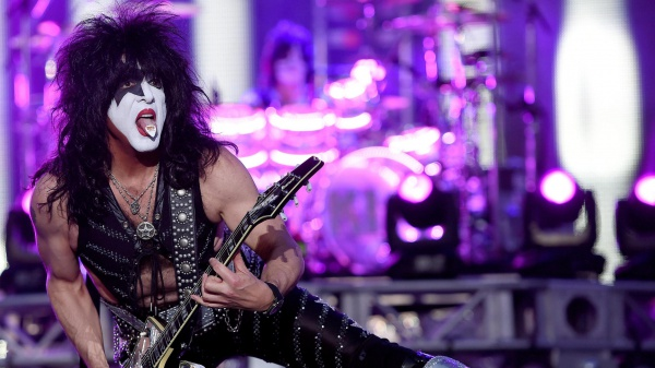 Kiss, Paul Stanley apre ad Ace Frehley e Peter Criss