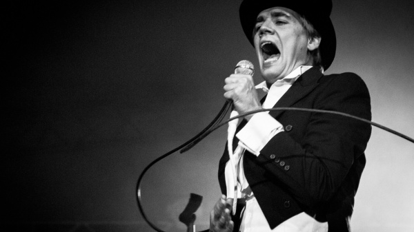 The Hives, tour mondiale (restando in casa)