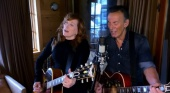 Jersey Girl (Jersey4Jersey) - Bruce Springsteen and Patti Scialfa 22/04/2020