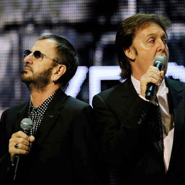 Beatles, all'asta un inedito di Paul McCartney e Ringo Starr