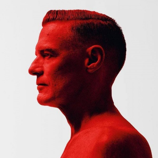 Bryan Adams, ascolta 'Shine A Light'
