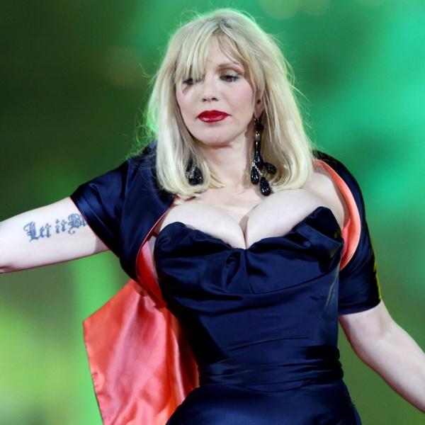 Courtney Love ha visto il fantasma di Cobain