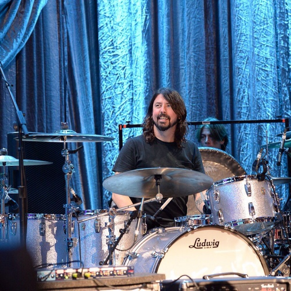 "Dave Grohl, è uscito ""Play"""