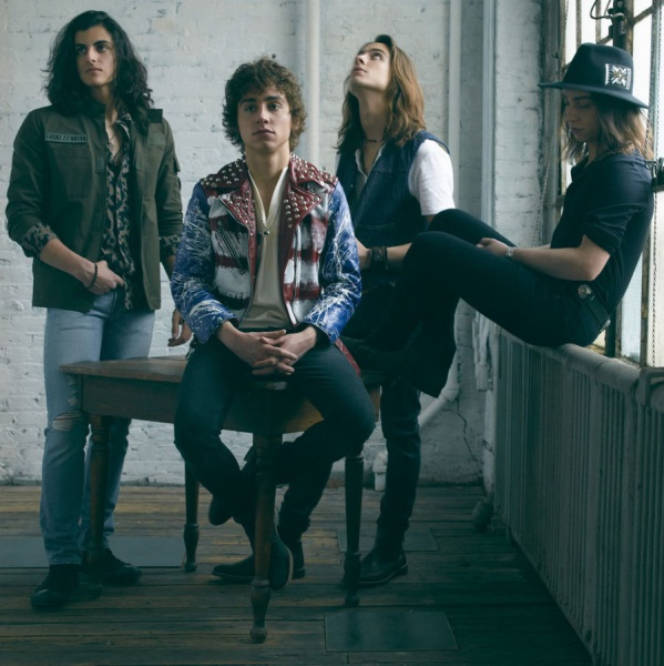 Greta Van Fleet, ascolta 'When The Curtain Falls'