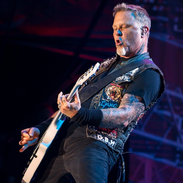 James Hetfield si scusa con la 'Metallica Family'