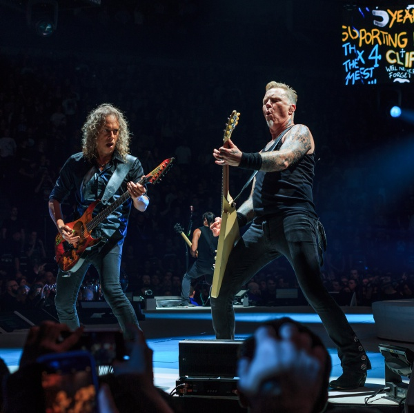 Metallica, guarda l'inno prima delle NBA Finals