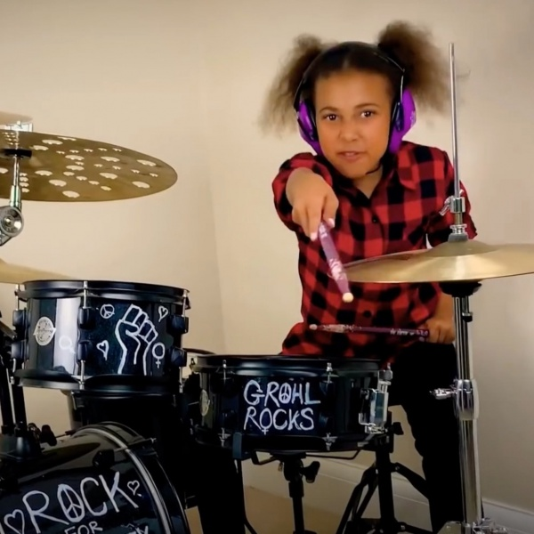 Nandi Bushell in Rock and Grohl