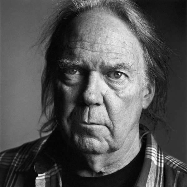 Neil Young, nuovo album con i Crazy Horse