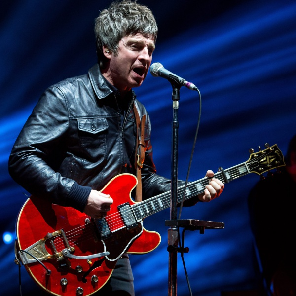 Noel Gallagher si rifiuta di indossare la mascherina
