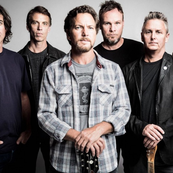 Pearl Jam, guarda la cover di Bowie a Chicago