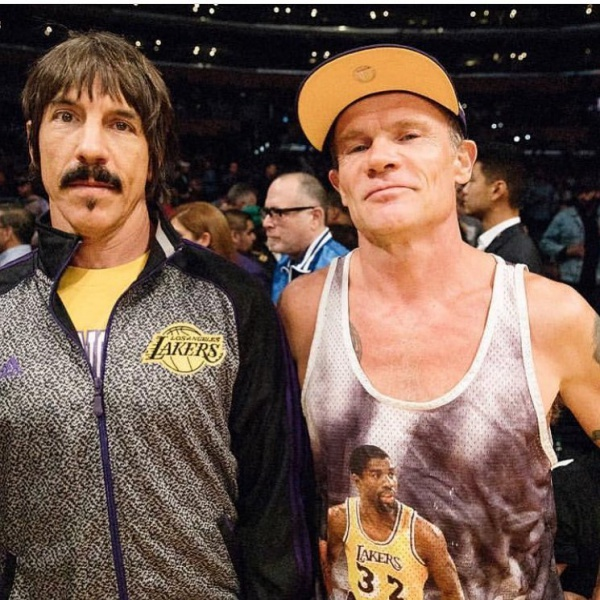 Red Hot Chili Peppers, Kiedis allontanato da un match NBA