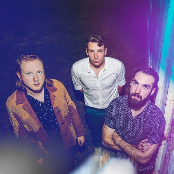Two Door Cinema Club, online il primo EP