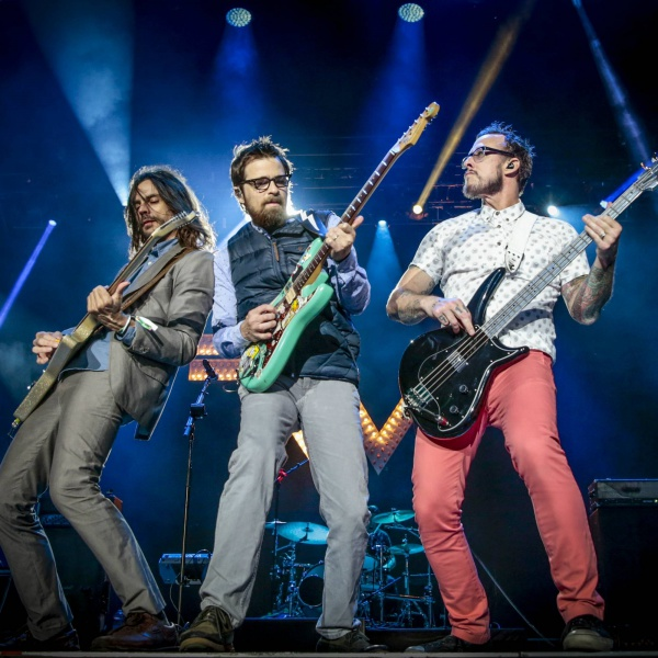 Weezer, ascolta la cover di 'Heart-Shaped Box' dei Nirvana